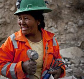 Una cadena de valor de oro internacional  que impulsa la formalización de la minería artesanal aurífera en el Perú